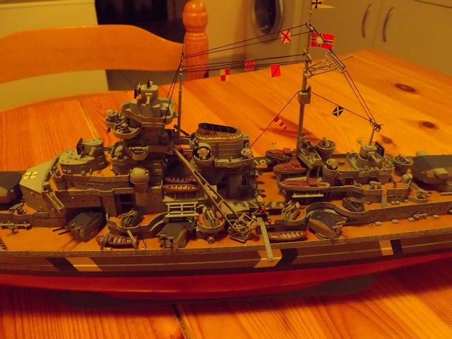 "Battleship ""BISMARCK"" 1/350 Revell - Page 2 4-3cd2cbe"