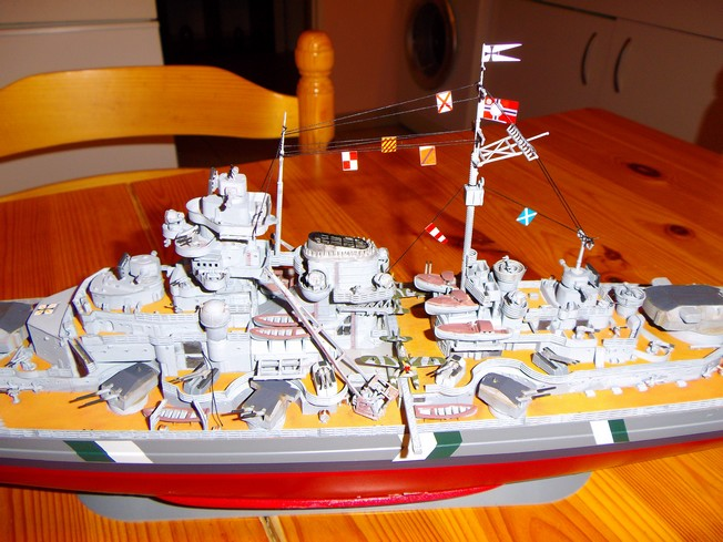 "Battleship ""BISMARCK"" 1/350 Revell - Page 2 3-3cd2cab"